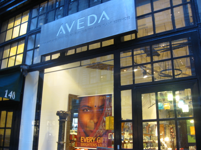  Aveda -