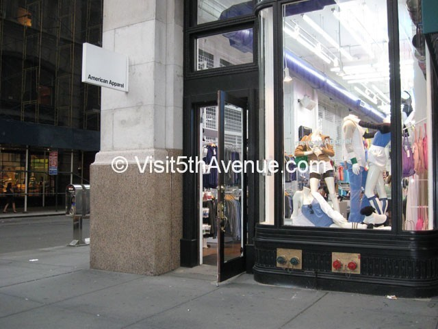 American Apparel 142 5th Avenue is now closed